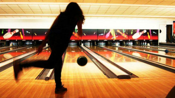 Black people bowling