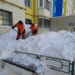 с последствиями аномального снегопада